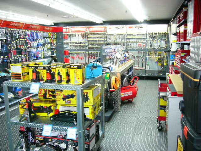 Speciality Fixtures for Auto parts & Hardware Fitout